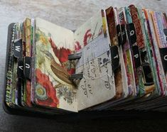 Vintage rolodex scrapodex collage journal i wanna do it! Altered Books, Altered Art, Dark Beauty, Art Journal Pages, Art Journals, Junk Journal, Journal Ideas, Journal Inspiration, Tutorial Scrapbook