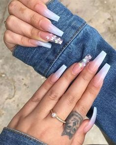 Best Summer Ombre Nails in 2019 Cute blue ombre nails with glitter design - summer nails 2019 Best Acrylic Nails, Summer Acrylic Nails, Aycrlic Nails, Glitter Nails, Coffin Ombre Nails, White Acrylic Nails With Glitter, Blue Ombre Nails, Fire Nails, Pin On