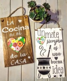cuadros carteles vintage  frases cocina Wooden Crafts, Diy And Crafts, Arts And Crafts, Vintage Frases, Decoupage Vintage, Rustic Signs, Small Gifts, Projects To Try, Handmade