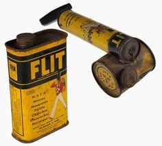 De Flitspuit - bewri. Werd rond 1920 in de landbouw en ca. 1950 in huishoudens gebruikt als insectenbestrijdingsmiddel. Er zat een grote hoeveelheid DDT in, welk middel later verboden werd om te gebruiken. De flitspuit raakte zodoende in de vergetelheid.