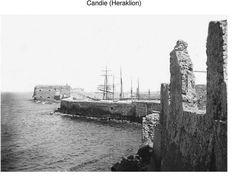 Ηράκλειο. Ο Κούλες όπως φαινόταν από τη δυτική πλευρά στα 1900 περίπου. Φωτογραφικό Αρχείο του συνταγματάρχη Émile Honoré Destelle. Δημοσίευση Ελένης Σημαντήρη. Crete, New York Skyline, Travel, Pictures, Viajes, Destinations, Traveling, Trips