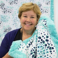 I can't wait to make this super quick, cuddly blanket with Jenny's Self Binding Baby Blanket using Shannon Cuddle fabric! I can't wait to make this super quick, cuddly blanket with Jenny's Self Binding Baby Blanket using Shannon Cuddle fabric! Self Binding Baby Blanket, Baby Blanket Tutorial, Easy Baby Blanket, Minky Blanket, Quilted Baby Blanket, Fleece Blanket Edging, Blanket Crochet, Diy Quilt, Easy Quilts