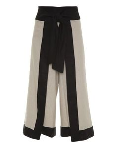 Split high waisted laced cropped wide leg pants: must have top trend for 2018 Modest Fashion, Fashion Pants, Look Fashion, Hijab Fashion, Fashion Outfits, Womens Fashion, Wrap Pants, Skirt Pants, Trouser Pants
