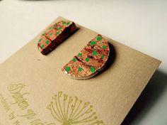 Martinuska / Green dots/cork earrings