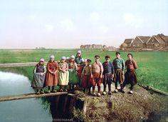 Eiland Marken - Children of fisherman around 1900 #NoordHolland #Marken