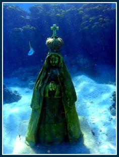 Virgencita del Valle bajo el mar en Los Roques, Dependencias Federales Venezolanas!
