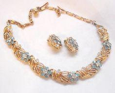 Rhinestone Flower Necklace Earrings Vintage by by bitzofglitz4u