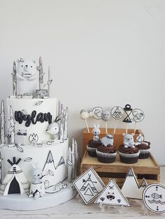 Woodlands in Black and White Cottontail Cake Studio Sugar Art PastriesCottontail Cake Studio Sugar Art Pastries Pretty Cakes, Cute Cakes, Fondant Cakes, Cupcake Cakes, Woodland Cake, Fathers Day Cake, 2 Kind, Baby Birthday Cakes, Sugar Art