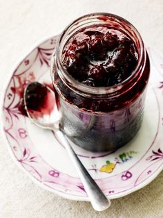 Make the most of the UK's seasonal produce with this super-fruity and easy blackberry and apple jam recipe - use Bramleys or cooking apples Blackberry And Apple Jam, Blackberry Jam Recipes, Damson Jam, Delicious Magazine, Tasty, Yummy Food, Healthy Eating Tips, Healthy Nutrition, Vegetable Drinks