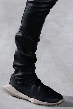 Rick Owens Fall 2016 Ready-to-Wear Accessories Photos - Vogue