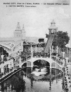 Le Magic City à Paris. Le parc d'attraction Magic City a été construit par Ernest Cognacq, propriétaire de la Samaritaine, en 1900, face au pont de l'Alma. Magic City a été le premier parc d'attractions de Paris, avant le Luna Park à la porte Maillot (1909). Fermé en 1934, puis réquisitionné par les allemands durant l'occupation, la salle de danse est transformée en studio de télévision de la Fernsehsender Paris qui deviendront après la guerre les studios Cognacq-Jay.