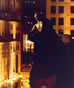 Batman looking upon the city in Batman Begins I Am Batman, Batman Begins, Batman Comics, Dc Comics, The Dark Knight Trilogy, The Dark Knight Rises, Batman The Dark Knight, Superhero Movies, Comic Movies