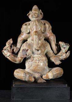 Image from http://www.lotussculpture.com/mm5/graphics/00000001/1panchamuhkti%20ganapati_702x1000.jpg.