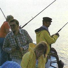 #Angeln auf der Nordseeinsel #Helgoland, Gerhard Hocke berichtet.  Helgoland liegt 70 km vor der Küste, hier kommen Fischarten vor, die in deutschen Gewässern sonst kaum zu fangen sind z.B. #Hornhecht, Makrele und #Meeräsche.  http://www.angelstunde.de/helgoland/