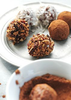 Easy Chocolate Cheesecake Truffles