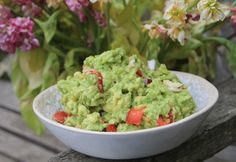 Sometimes the guacamole you buy is little more than smashed avocado but we like to fancy ours up with lots of zingy flavour, heat and extra veggie goodness! Moringa Recipes, Superfood Recipes, Raw Vegan Recipes, Vegetarian Recipes, Cooking Recipes, Healthy Recipes, Vegan Meals, Guacamole, Moringa Benefits