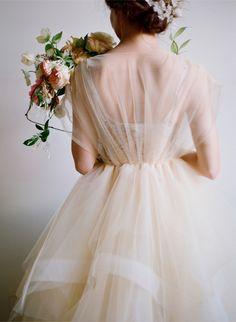 【ウエディング ドレス Wedding Dresses ウエディングブーケ Wedding Bouquet チュール Tulle 白 White】lovely