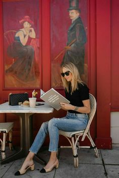 Blonde Woman Reading Liketoknowit Book Coffee Shop Fashion J Image Fashion, Look Fashion, Men Fashion, Fall Fashion, Fashion Ideas, Fashion Outfits, Fashion Tips, Fashion Trends, Skandinavian Fashion