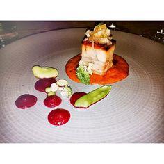 Cena a 4 manos en #CDMX | @BalconDelZocalo y Chef @pepesalinas |  Porkbelly / puré de betabel / manchamanteles / verduras del invernadero |  #misenplace #cuisine #food #chefstalk #chef #modernistcuisine #gourmet #gastronomia #creativo #creativity #diseny#menudegustacion #maridaje #foodpairing #wine #theartofplating #instafood #truecooks #realfood #tastingmenu #foodie #gastroart #foodart #foodpic #foodgram #instafood #chefslife by chefmorales