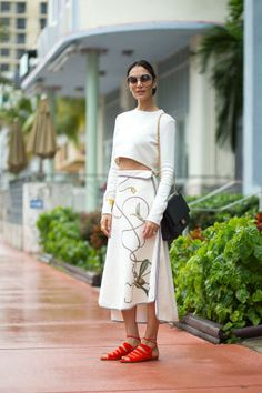 29 summer outfit ideas to steal from the streets of Miami.