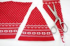 How to Make Christmas Gnomes Christmas Sewing Projects, Crafty Projects, Christmas Gnome, Christmas Ornaments, Christmas Decorations, Scented Pinecones, Pencil Crafts, Glue Gun Crafts, Gnome Hat