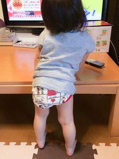 """""""Pants debut""""  30.Aug.2014   『HIMARIno初めてシリーズ〜パンツ!』28日からパンツデビューしたそう♡  「おしっこしたら知らせてくれます!」だそう。偉い! まま撮影。"""
