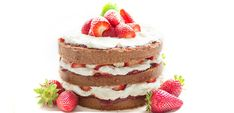 Simple fruit cake that is very simple to make. Simple and sweet fruit cake. Food Cakes, Different Kinds Of Cakes, Vegan Birthday Cake, Naked Cakes, Basic Cake, Foods To Avoid, Baking Supplies, Strawberries And Cream, Pavlova