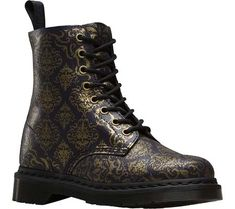 Shop on the official Doc Martens website. Martens styles like the in a variety of leathers, textures and colors. Dr. Martens, Doc Martens Stiefel, Botas Dr Martens, Doc Martens Boots, Black Suede Boots, Suede Ankle Boots, Suede Booties, Ankle Booties, Leather Boots