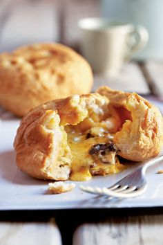 Cheddar and biltong vetkoek - this is yummy puffed up deep fried type of doughnut filled with deliciousness. South African Dishes, South African Recipes, Snack Recipes, Cooking Recipes, Snacks, Biltong, Good Food, Yummy Food, Fabulous Foods