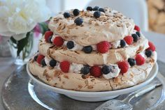 Creative food decoration in white, red and blue colors are a wonderful idea for the of July celebration and preparing delicious and impressive desserts 4th Of July Cake, 4th Of July Celebration, Meringue, Impressive Desserts, Macaron Recipe, Sweets Cake, Vegan, Pavlova, Creative Food