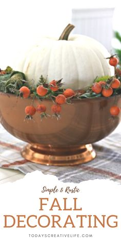 Simple, easy, stylish and budget-friendly fall decorating ideas. Table decorating for Autumn. Rustic Decor with natural items. See more on TodaysCreativeLife.com Thanksgiving Post, Thanksgiving Treats, Fall Table Centerpieces, Table Decorations, Flower Decorations, Fall Home Decor, Autumn Home, Autumn Decorating, Decorating Ideas