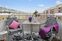15 Amazing Balcony Apartment Design and Decor Ideas for Your Inspiration Outdoor Seating Areas, Outdoor Rooms, Outdoor Living, Outdoor Furniture Sets, Outdoor Decor, Apartment Interior Design, Decor Interior Design, Winter Balkon, White Apartment