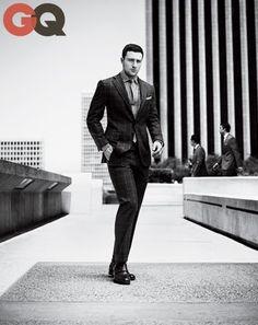 GQ // Aaron Taylor-Johnson in the Season's Best Plaid Suits Taylor Jackson, Michael Bastian, Aaron Taylor Johnson, Gq Magazine, Magazine Photos, Plaid Suit, Sharp Dressed Man, Sports Shirts, Sexy Men