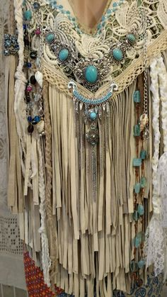 """Handmade Ivory Leather Fringe Shoulder Bag Hippie Boho Hobo Vintage Lace tmyers <a class=""""pintag"""" href=""""/explore/Handmade/"""" title=""""#Handmade explore Pinterest"""">#Handmade</a> <a class=""""pintag searchlink"""" data-query=""""#ShoulderBag"""" data-type=""""hashtag"""" href=""""/search/?q=#ShoulderBag&rs=hashtag"""" rel=""""nofollow"""" title=""""#ShoulderBag search Pinterest"""">#ShoulderBag</a>"""