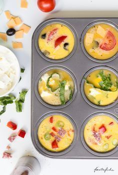 Breakfast in bed with three kinds of mini omelettes made of muffin - for holidays . the good life - Recipe omelette from the muffin tin You are in the right place about healt skin Here we offer you t - Omelette Muffins, Pizza Muffins, Mini Omelettes, Healthy Snacks, Healthy Recipes, Brunch Party, Party Snacks, Egg Recipes, Finger Foods