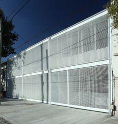 En PLOT Nº1 Proyecto: Instituto Modelo del Sur. Nivel Primario Arquitectos: EGT Arquitectos + Tannenbaum Arquitectos Fotografía: Gustavo Sosa Pinilla