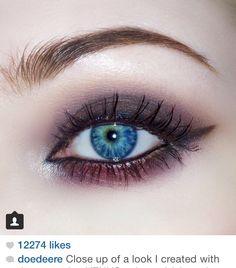 Gorgeous makeup, follow her on IG @doedeere