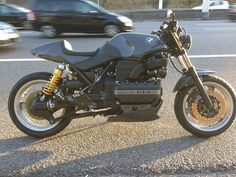 BMW K Series by Miguel Sotero Cafe Racer Style, Cafe Racer Bikes, Cafe Racers, Bmw Motorcycles, Custom Motorcycles, Custom Bikes, K100 Scrambler, Bmw Old, Bmw K100