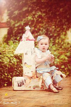 Note to self... Picture w the piñata 5