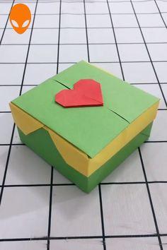 15 Gift Box Origami For Christmas - DIY Tutorials Videos Instruções Origami, Origami Gift Box, Paper Crafts Origami, Diy Gift Box, Diy Crafts Hacks, Diy Crafts For Gifts, Diy Arts And Crafts, Creative Crafts, Christmas Crafts To Make