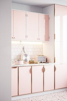 Where can I get large size terrazzo tiles and inspiration to decorate my home?- Where can I get large size terrazzo tiles and inspiration to decorate my home? Terrazzo Flooring, Kitchen Flooring, Laminate Flooring, Kitchen Layout, Kitchen Colors, Pink Kitchen Cabinets, Rose Gold Kitchen, Millenial Pink, White Tile Backsplash