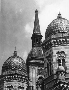 Stará Bratislava Bratislava Slovakia, Middle Ages, Architecture, Taj Mahal, Medieval, Sailing, Nostalgia, Europe, Black And White
