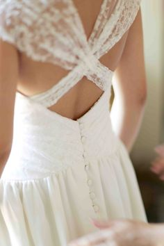 AliX&AleX se marient avec Constance. (Constance Fournier - Robe de mariée) #style #femme #dos #tulle #plumetis #mariage #chic