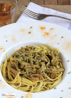 Espaguetis al curry de carne