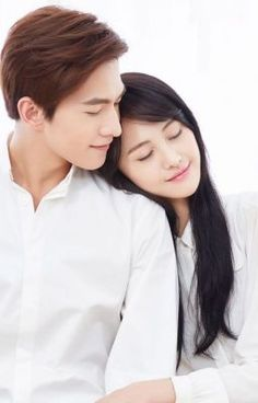 Xiao Nai is the great master in Qing University, smart, talented, sporty and handsome. Wei Wei is a simple girl from applyi. Sad Girl Art, Yang Yang Zheng Shuang, Online To Offline, Eternal Love Drama, Yang Yang Actor, Wei Wei, Most Handsome Actors, Romantic Anime Couples, Alien Girl