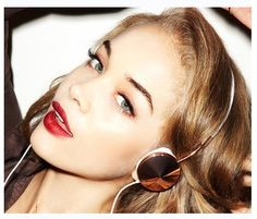 Fancy - Layla Rose Gold Headphones by Frends Golden Barbie, Jasmine Sanders, Pink Eyeshadow, Best Christmas Gifts, White Leather, Round Sunglasses, Hoop Earrings, Bling, Rose Gold