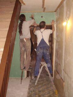 Flur.... Der auf der Leiter hat Höhenangst, deshalb die unterste Stufe. Jetzt, 5Jahre später beim nächsten Hausbau, war er sogar schon auf dem Gerüst. Er sollte mich eigentlich für die Therapie bezahlen....