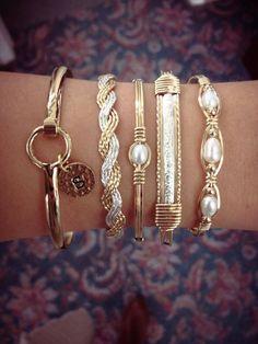 Love these bracelets. 1870d6c7740292f1c5dbe404bb5183ab.jpg 720×960 pixels
