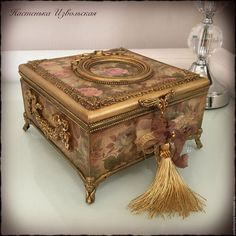Фурнитура для шкатулок и творчества в МОСКВЕ Decopage, Decoupage Box, Decoupage Vintage, Cigar Box Crafts, Diy Gift Box, Antique Boxes, Pretty Box, Altered Boxes, Wine Bottle Crafts