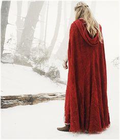 Amanda Seyfried / Little Red Riding Hood Billy Burke, Fantasy Magic, Yennefer Of Vengerberg, Red Riding Hood Costume, Throne Of Glass, Red Hood, Amanda Seyfried, Little Red, Lany